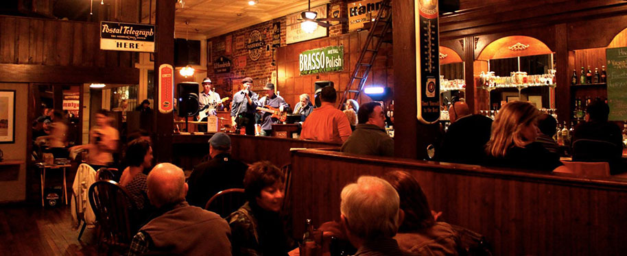 Lve Music Every Week at the Bone Fire Smokehouse